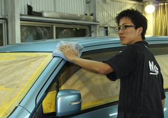 西自動車商会のクォーツガラスコーティング
